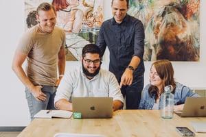 Kundenzusammenarbeit in einem global arbeitenden Projektumfeld